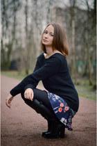 navy floral print Zara skirt - black Mango sweater