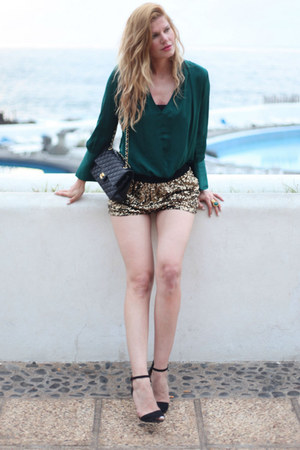 Zara top - Chanel bag - Zara shorts
