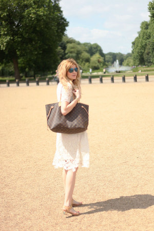 H&M dress - Louis Vuitton bag - nike sunglasses - Sam Edelmna sandals