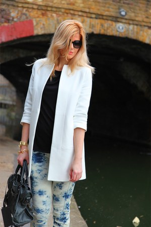 Zara coat - Levis jeans - balenciaga bag - Converse sneakers - Zara top