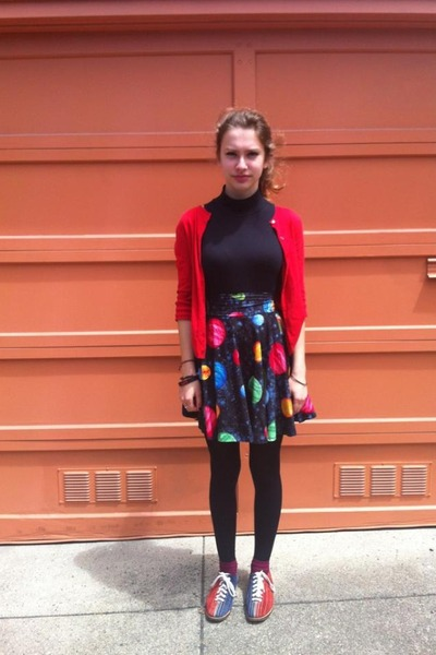 navy handmade skirt - red vintage shoes - black HUE tights