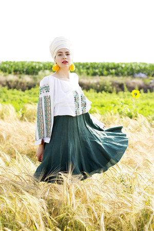 green traditional ia blouse - cream cotton turban thrifted scarf