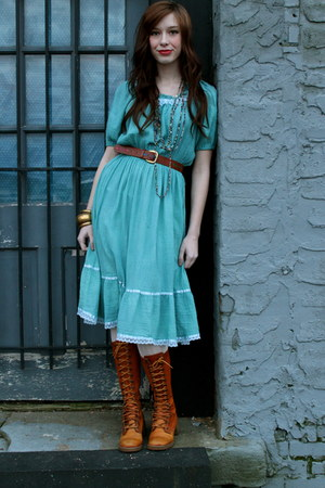 everybodys buying vintage dress - vintage boots boots - belt