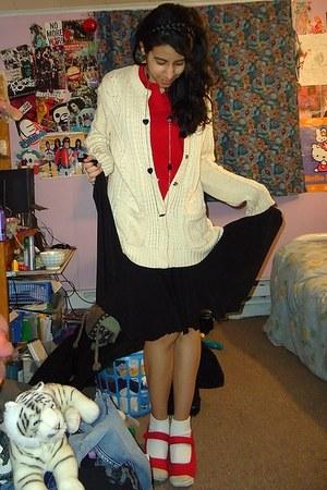 eggshell New York & Co sweater - red polo shirt - black braid headband accessori