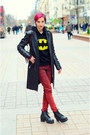 Red-jeans-new-yorker-jeans-leather-jacket-second-hand-jacket-hoodie