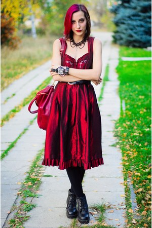 born pretty watch - gothic red Rose Dirndl dress