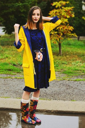 Choies bag - second hand boots - yellow raincoat second hand coat