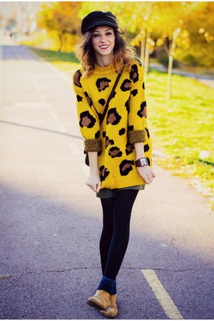 Yoins sweater - camel chelsea Stradivarius boots - cap H&M hat