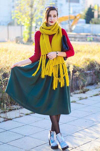 La Redoute scarf - Mango sweater - nowIStyle skirt