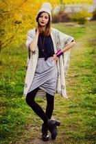 gray bodycon Yoins skirt - colorful cuff Yoins bracelet - Vintage Summer cape