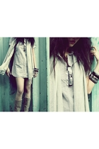 Secondhand shirt - scarf - boots - diva accessories - glasses