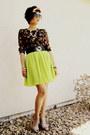 Lime-green-pleated-skies-are-blue-skirt-black-floral-print-jones-new-york-top