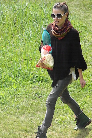 Dr Martens boots - Vero Moda jeans - Tolani scarf