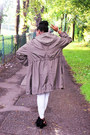 White-h-m-shirt-dark-khaki-parker-primark-jacket
