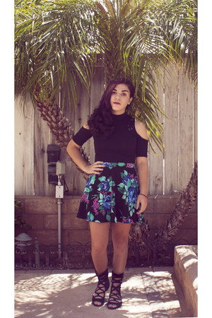 black Urban Outfitters shirt - black f21 skirt - black Fashion District sandals