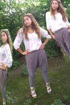 white hm blouse - gray Zara pants - white hm shoes