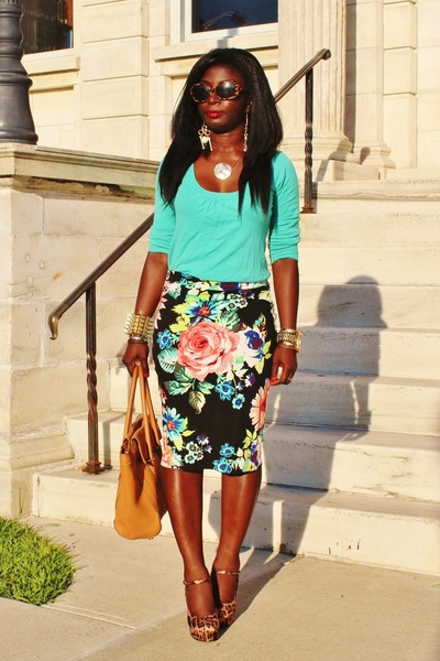 black floral H&M skirt - aquamarine urbanbehaviour sweater - camel JCrew purse