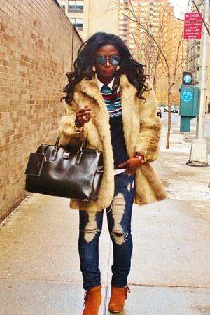 camel faux fur vintage coat - navy H&M sweater
