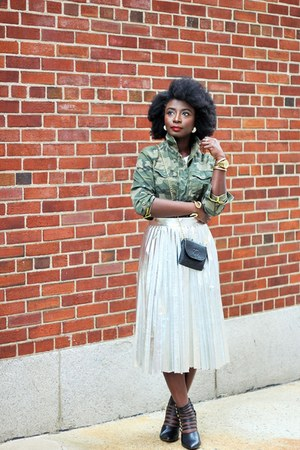 olive green camouflage Old Navy jacket - silver Zara skirt