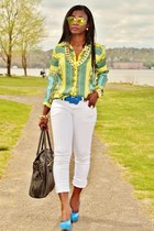 yellow scarf print Zara shirt - white jeans cuffed 7fam jeans