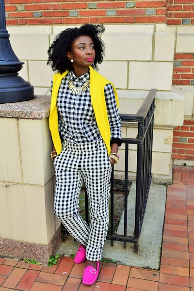 yellow Jcrew sweater - hot pink Gucci loafers