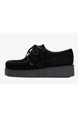Underground shoes