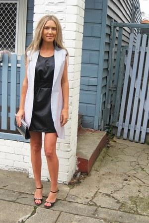 Frankie Sunshine vest - Finders Keepers dress