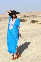 caftan vintage dress - straw hat - vintage 70s st michael wedges