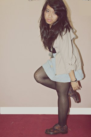 floral MKS boots - tan Forever 21 coat - black shorts