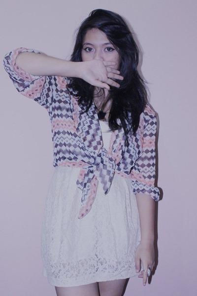 light pink chiffon Seximo cardigan - white floral lace H&M dress