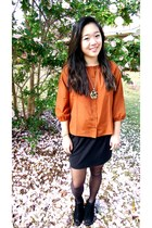tawny Forever 21 top - black booties Forever 21 shoes - black Forever 21 skirt