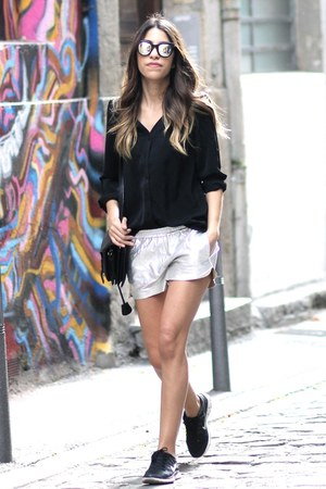 clo&se blouse - Opening Ceremony bag - Maje shorts - Spektre sunglasses