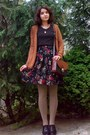 Crimson-floral-skirt-tan-tights-burnt-orange-thrifted-purse