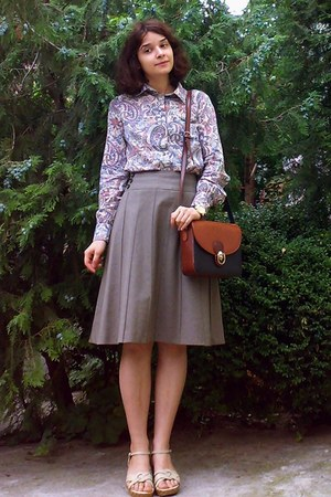 burnt orange thrifted purse - dark khaki midi thrifted skirt