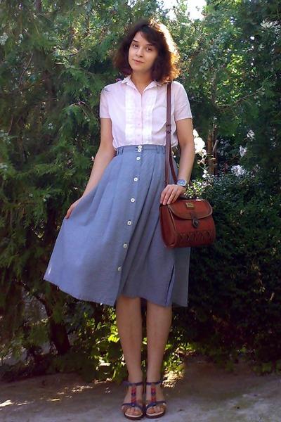 brick red vintage Marc Chantal purse - blue midi thrifted skirt