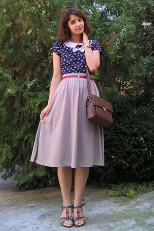 dark brown Zara purse - ruby red leather thrifted belt - tan thrifted skirt