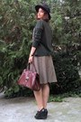 Black-hat-crimson-vintage-purse-dark-green-thrifted-cardigan