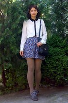 white Pimkie shirt - tan tights - black vintage leather picard purse