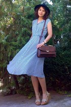 navy midi thrifted dress - black hat - crimson leather vintage purse