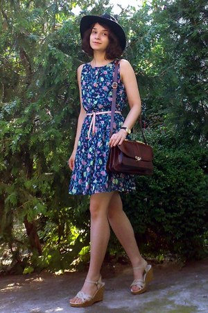 navy gifted floral dress - black gifted H&M hat - crimson leather vintage purse