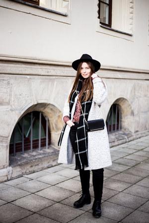 black Monki jeans - heather gray Zara coat - brick red c&a sweater