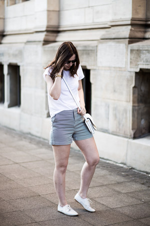 white asos shirt - white asos bag - black reserved shorts - white Zara flats