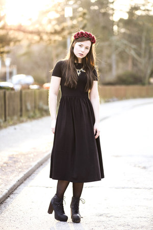 black asos dress - black H&M heels - black Primark necklace