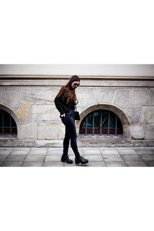 black vagabond boots - black Monki jeans - black pieces sweater