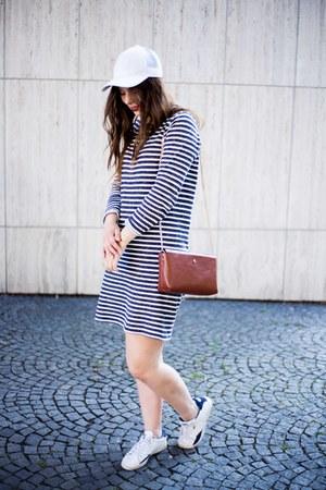 white Puma shoes - navy Gap dress - brown Zara bag