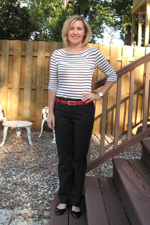 black Aqua top - black Loft pants - red Preston & York belt - black loeffler ran