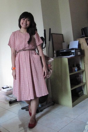 pink vintage dress - light pink sling bag - ruby red Justine flats