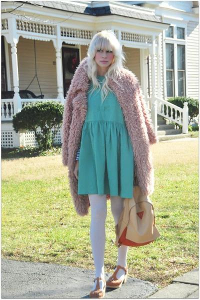 Choies coat - PepaLoves dress