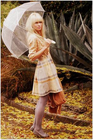 vintage blouse - vintage skirt - Filippa K flats