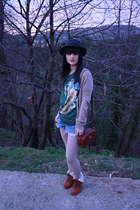 Nasty Gal hat - Gucci bag - Levis shorts - asos wedges - Paul&Joe sister t-shirt